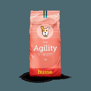 snack en bolsita roja con la bandera sueca y el hogo del perro husse en una franja roja Agility Snacks