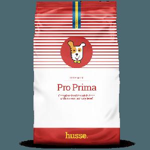 saco de pienso para perros de color blanco y rojo con una bandera sueca, un dibujo de perro en el centro y una franja roja con el logo husse, Pro Prima: 20 kg